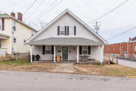 Photo of 107 E Hickman St Apt A, Winchester, KY 40391