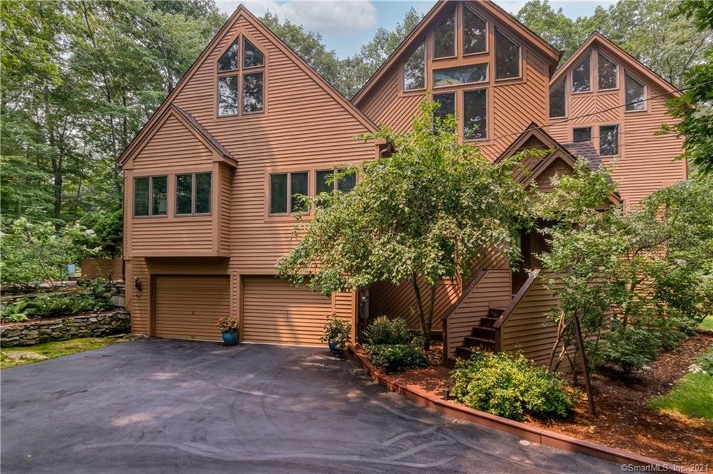 522 Peddlers Rd Guilford, CT 06437