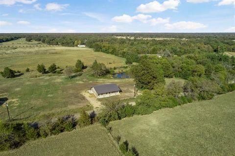 Photo of 550 County Road 35500, Sumner, TX 75486