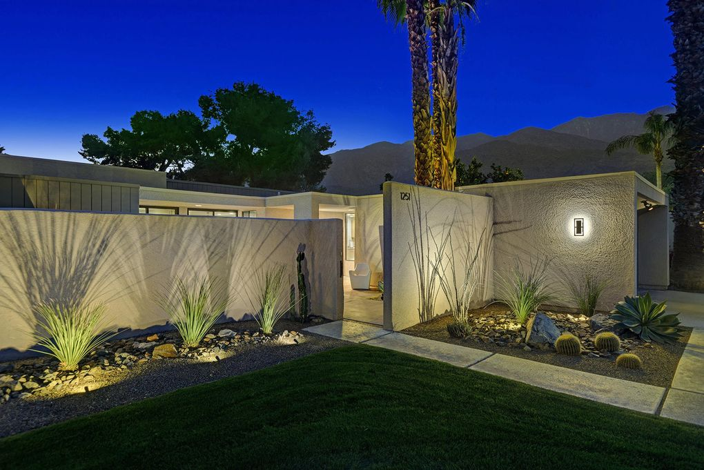 1251 E Twin Palms Dr Palm Springs, CA 92264