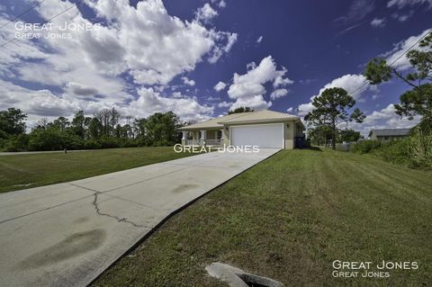 Photo of 1264 Brunell Ave, Fort Myers, FL 33913