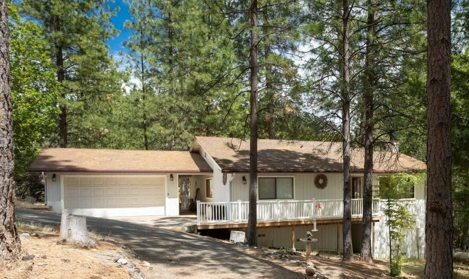 6135 Happy Pines Dr Foresthill, CA 95631