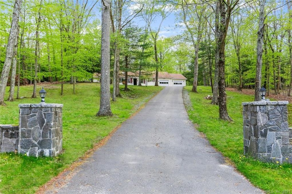 163 Good Hill Rd Oxford, CT 06478