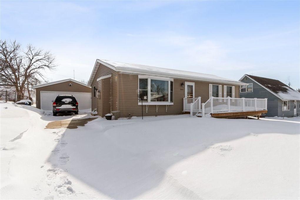 161 Red Wing Rd SW Cedar Rapids, IA 52404
