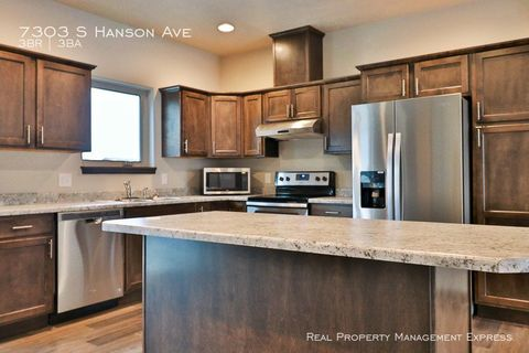 Photo of 7303 S Hanson Ave, Sioux Falls, SD 57108