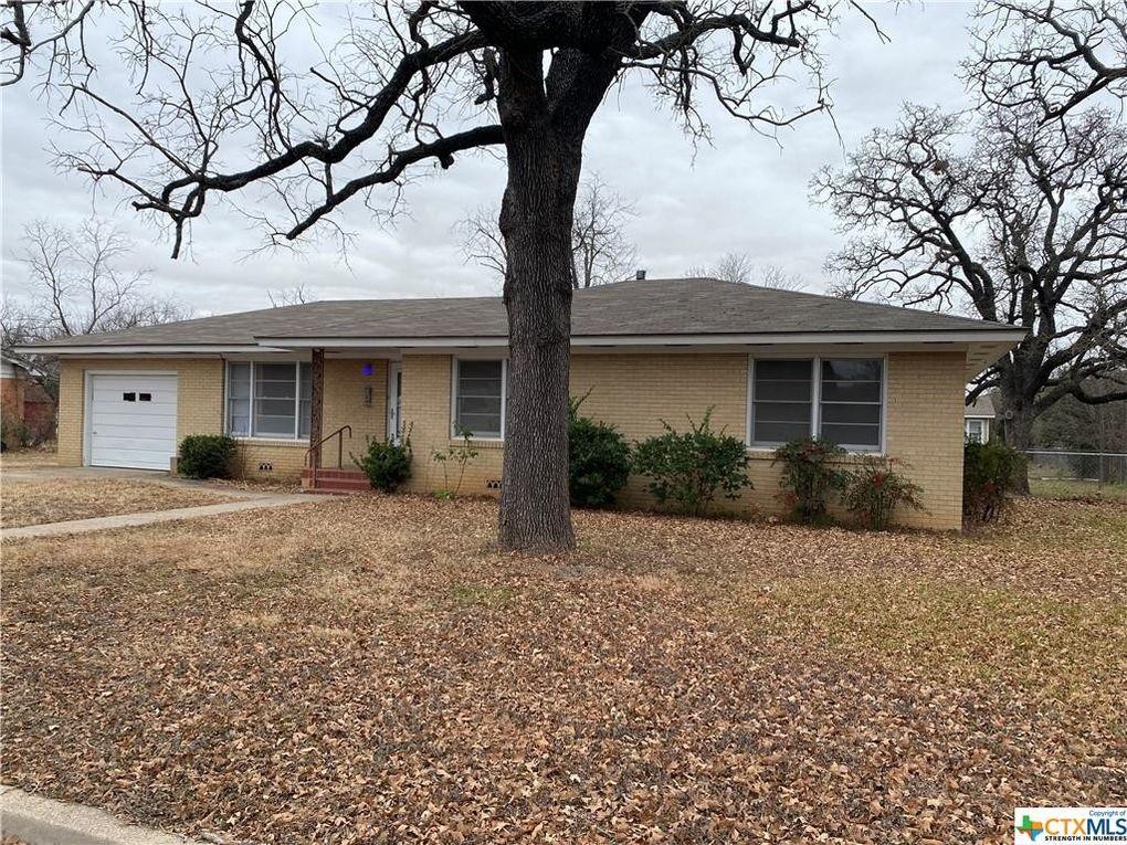 2503 Oak Dr Gatesville, TX 76528