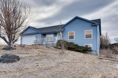 Photo of 8148 Sun Country Dr, Elizabeth, CO 80107