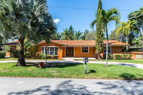 Photo of 10400 Sw 70th Ave, Pinecrest, FL 33156