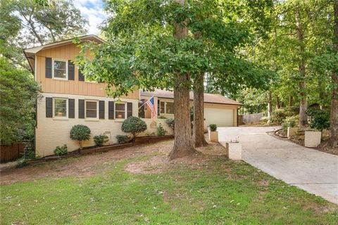 Photo of 3307 Pointe Bleue Ct, Decatur, GA 30034