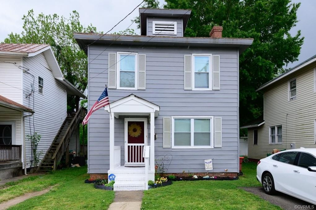 111 Lee Ave Colonial Heights, VA 23834