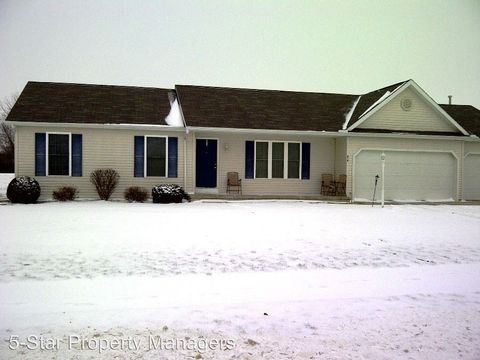 Photo of 212 Tanglewood Dr, Goshen, IN 46526