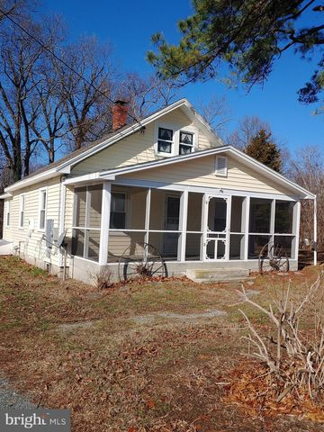 Photo of 465 Hallowing Point Rd, Prince Frederick, MD 20678