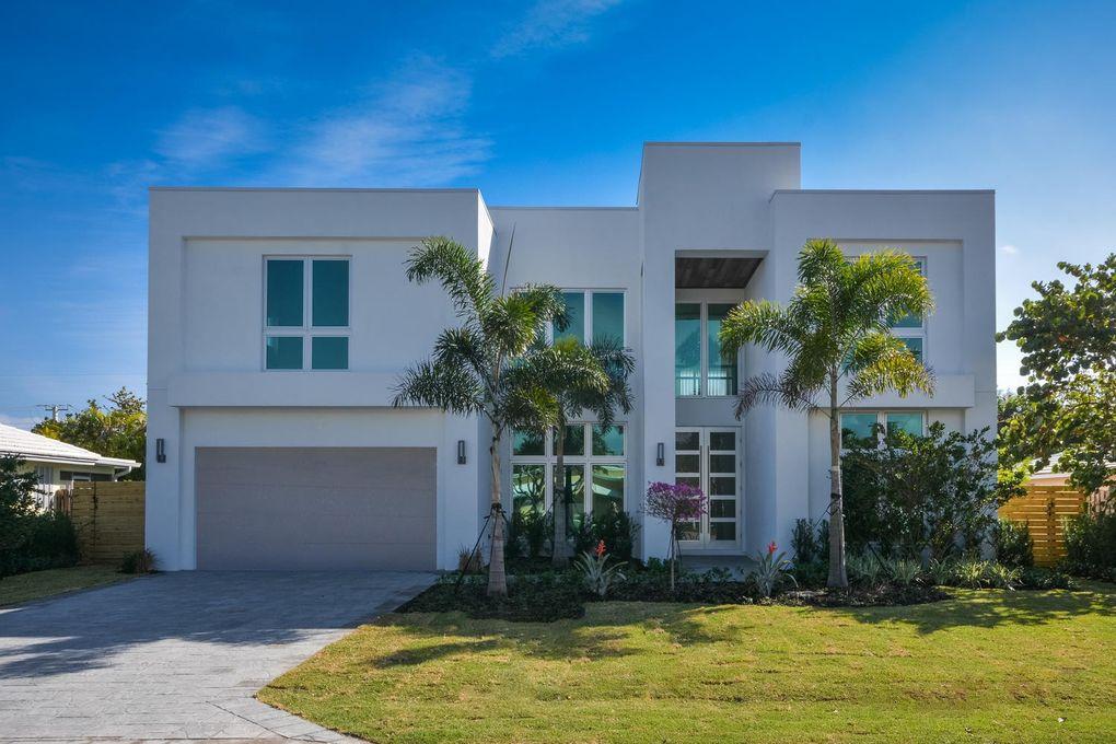 900 NE 3rd Ave Boca Raton, FL 33432