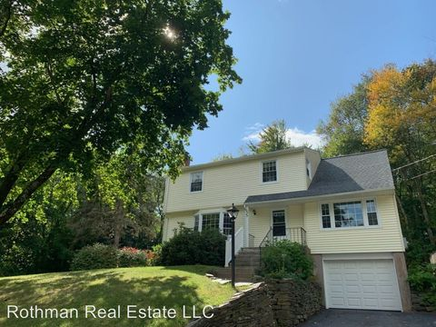 Photo of 55 Pond Ln, South Windsor, CT 06074