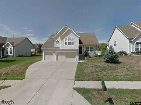 Photo of 1825 Shannon Dr, Liberty, MO 64068