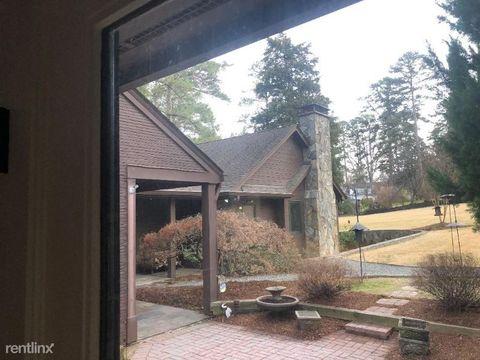 Photo of 2409 Lake Dr, Raleigh, NC 27609