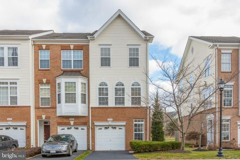 Photo of 20460 Alicent Ter, Ashburn, VA 20147