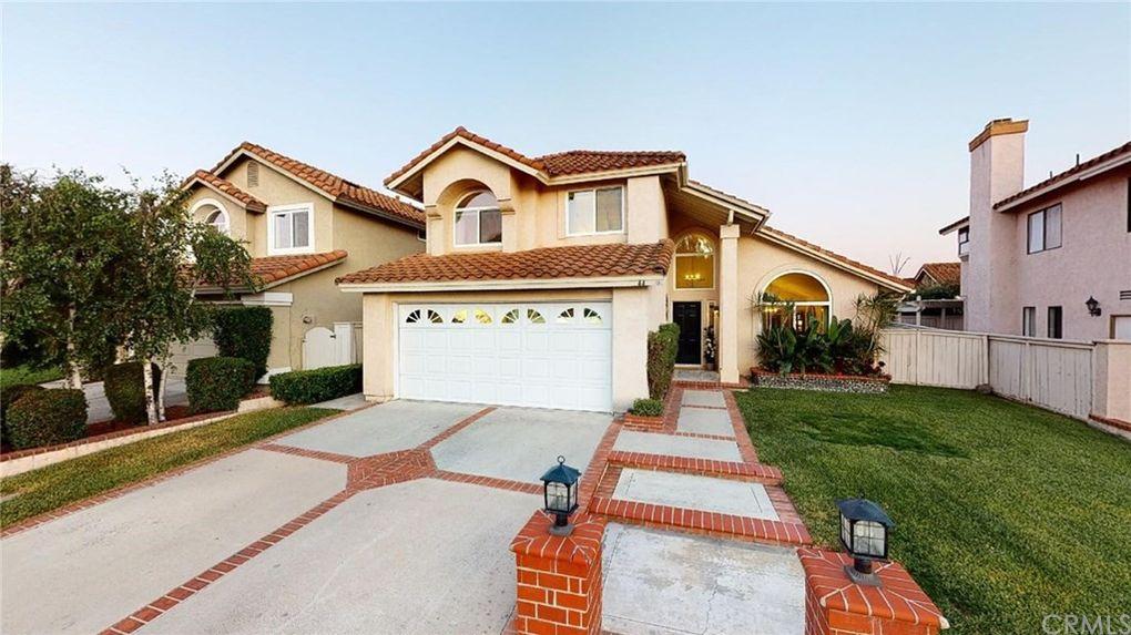 44 San Sebastian Rancho Santa Margarita, CA 92688