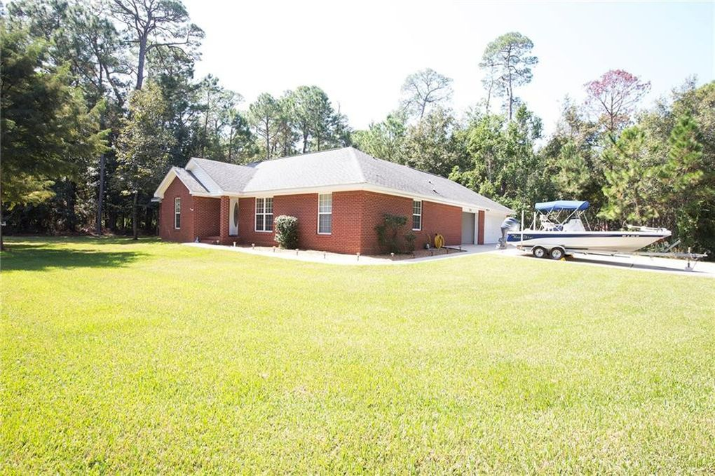701 Indian Pl Dauphin Island, AL 36528