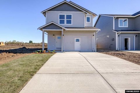 Photo of 744 S 16th St, Philomath, OR 97370