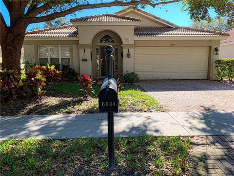 Photo of 6064 Froggatt St, Orlando, FL 32835
