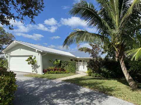 Photo of 318 Fairway N, Tequesta, FL 33469