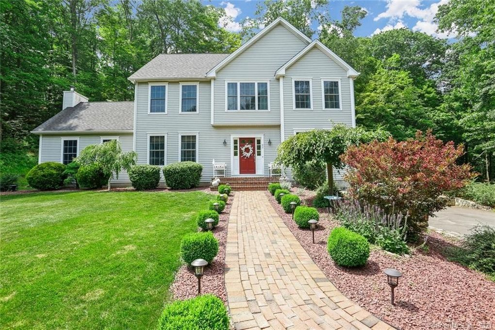 93 Bee Mountain Rd Oxford, CT 06478