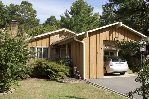 Photo of 214 Bentwood Ln, Southern Pines, NC 28387
