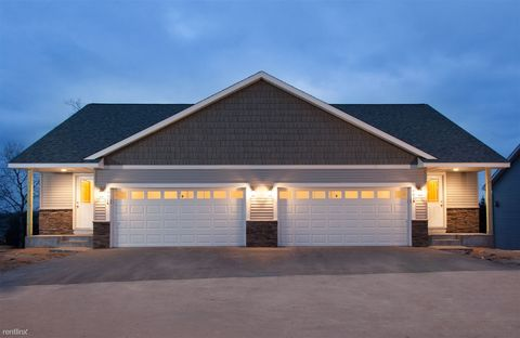 Photo of 481 Tracey Ln, Hudson, WI 54016