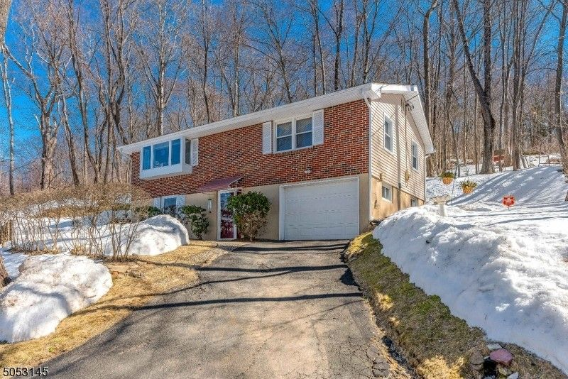 2 Forest Rd Green Township, NJ 07821