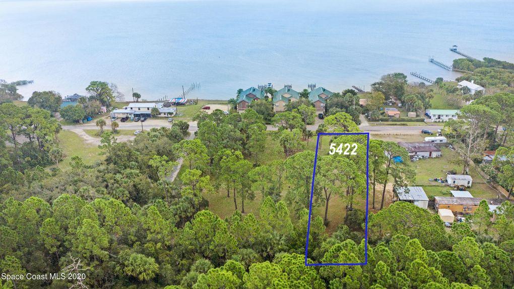 5422 Riveredge Dr Titusville, FL 32780