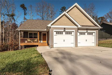 Photo of 53 Parrot Rd Unit 7, Candler, NC 28715