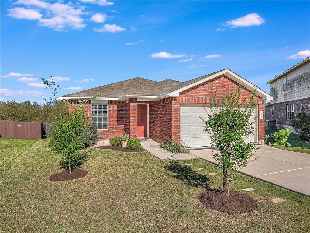 13629 Coomer Path Pflugerville, TX 78660