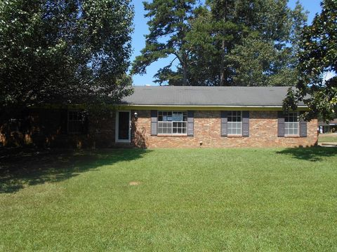 Photo of 200 Lamar St, Corporate, MS 38967