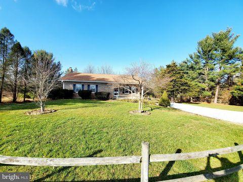 Photo of 460 Cedar Rd, New Oxford, PA 17350