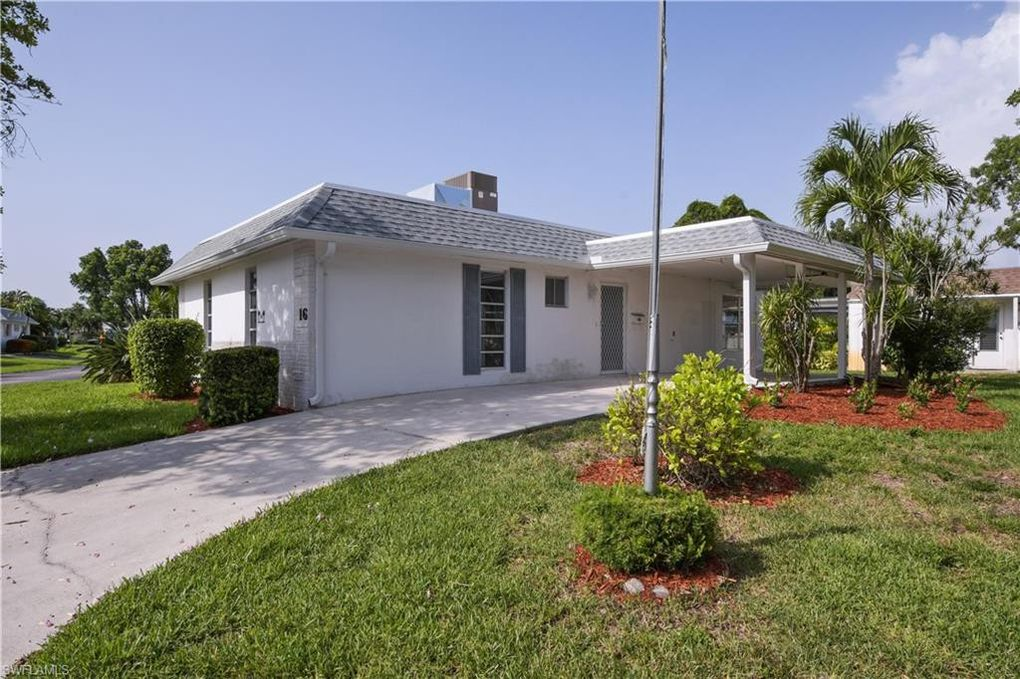 16 Hackney Ln Naples, FL 34112
