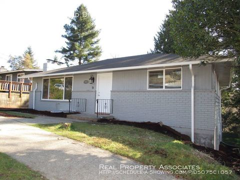 Photo of 5903 S Eastwood Dr, Seattle, WA 98178