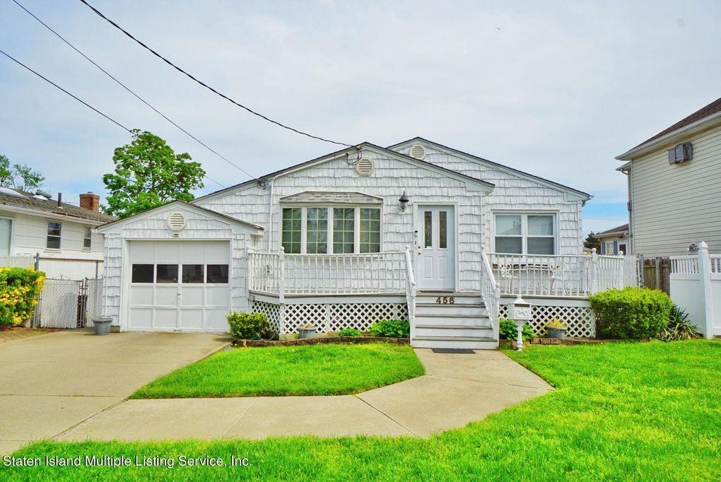 456 Riga St Staten Island, NY 10306
