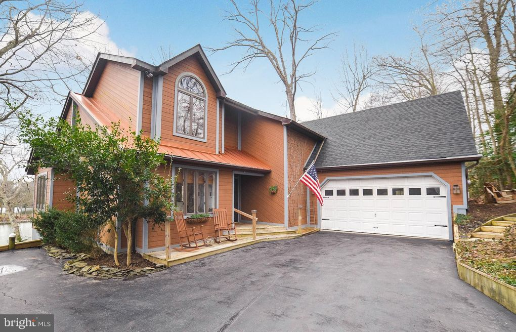 24730 Red Hill Ct Hollywood, MD 20636