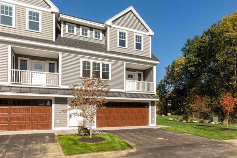 Photo of 293 Peverly Hill Rd Unit 1, Portsmouth, NH 03801