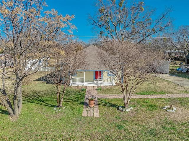 605 N Jefferson St Pilot Point, TX 76258