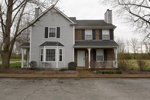 Photo of 1268 Carriage Park Dr, Franklin, TN 37064