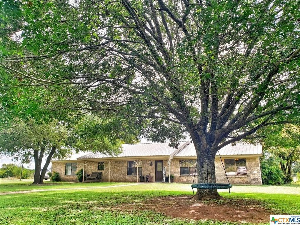 125 Oak Grove Rd Gatesville, TX 76528