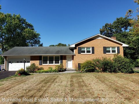 Photo of 1908 Shadow Lake Rd, Blacksburg, VA 24060