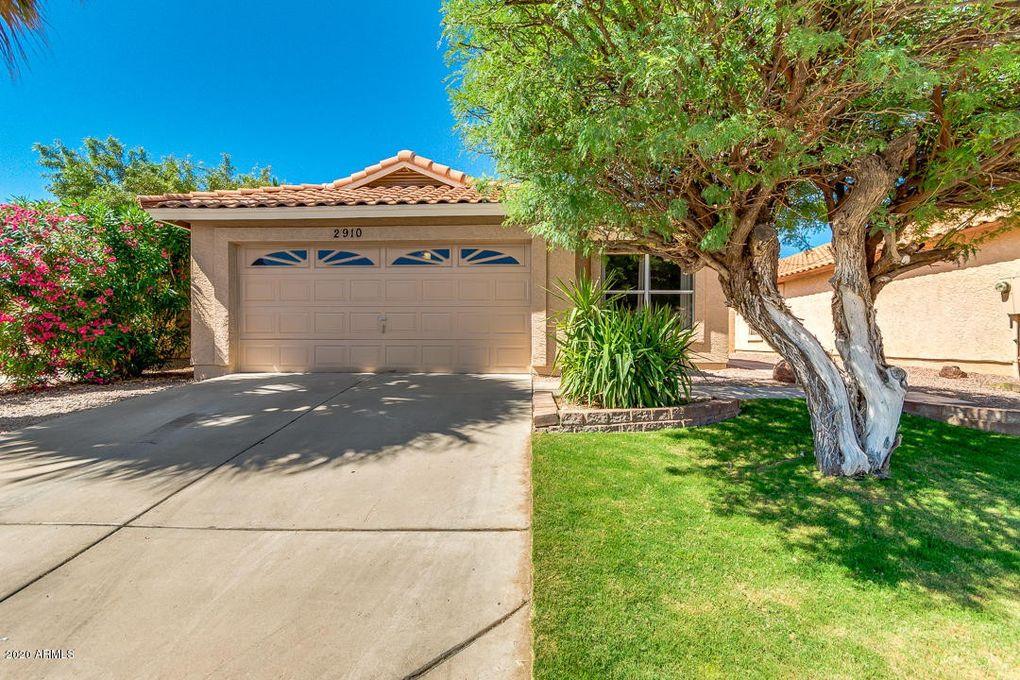 2910 E Brookwood Ct Phoenix, AZ 85048