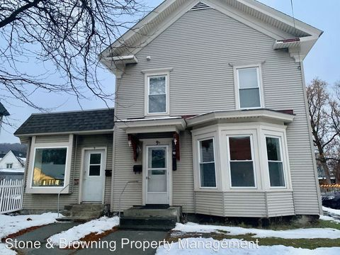 Photo of 9 Brook St, Barre, VT 05641