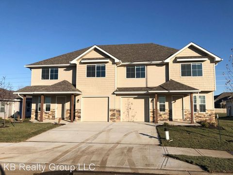 Photo of 8220 Sw 1st St, Blue Springs, MO 64014