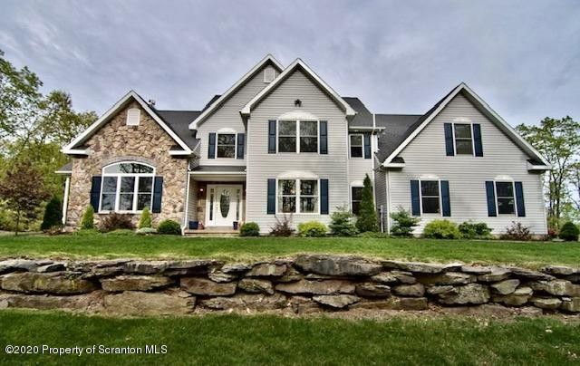 1008 Scenic Dr Clarks Summit, PA 18411
