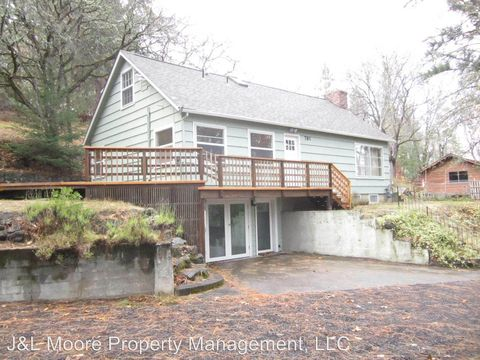 Photo of 781 Liberty St, Ashland, OR 97520