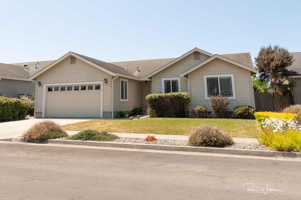 2464 Hawks View Ct McKinleyville, CA 95519